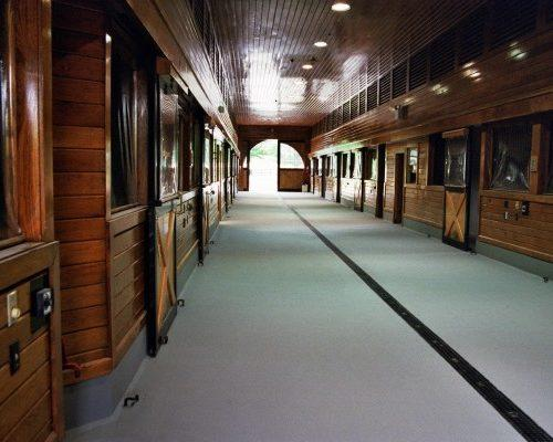 pad and pour urethane equestrian and agricultural flooring